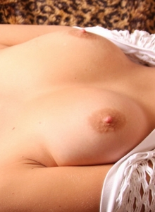 Horny Teen Allyssa Hall Pulls Her Pink Panties Aside And Rubs Her Wet Clit - Picture 6